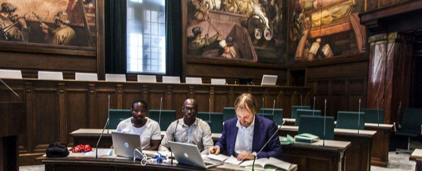 Foto: bezwaar tegen noodbevel Aboutaleb / gemeente Rotterdam hoorzitting, foto door: Lassy