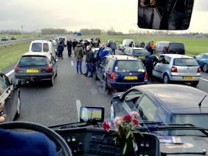 'Vreedzaam protest tegen Zwarte Piet tegengehouden op weg naar Dokkum KOZP